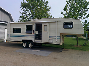 Roulotte fifth 5th wheel 27' Prowler 1993