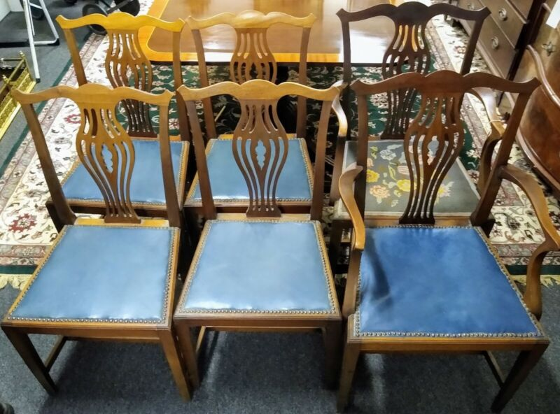 Set of 6 Lovely Antique Straight Leg Chippendale Mahogany Dining Chairs C. 1920