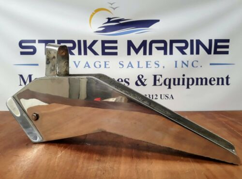 """Self-Launching Bow Roller 21"""" Long, Stainless Steel"""