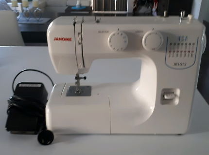 Janome JR 1012 sewing machine