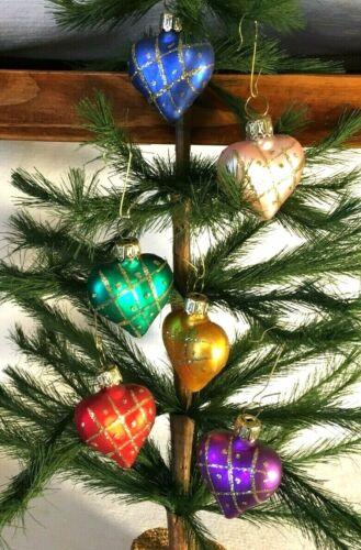 Set of 6 Rainbow Heart Mix w Gold Tic Tac Toe Glass Valentine Ornaments Germany