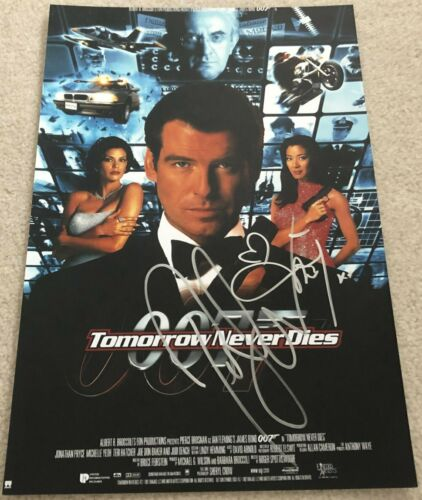 PIERCE BROSNAN & MICHELLE YEOH SIGNED TOMORROW NEVER DIES 12x18 PHOTO w/PROOF