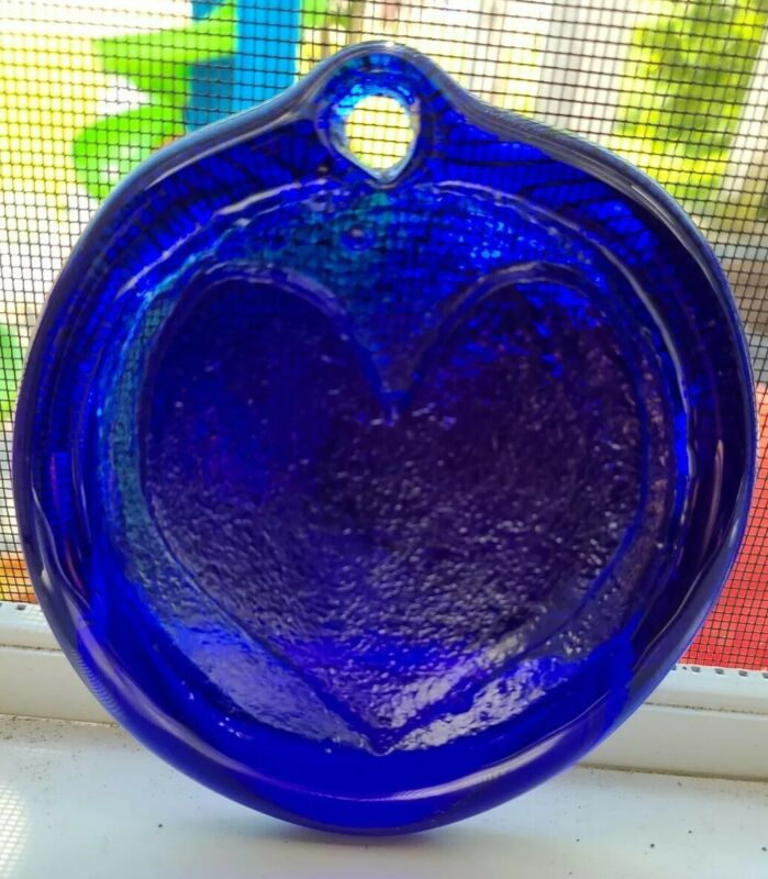 Beautiful Vintage Pressed Art Glass Cobalt Blue Glass Heart Ornament Sun Catcher