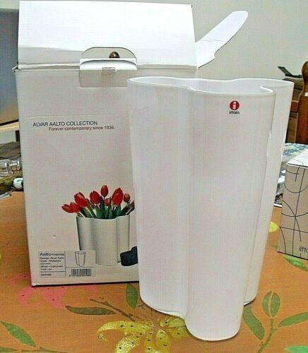 Iittala Savoy Vase ALVAR AALTO 251mm  White