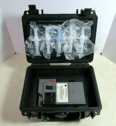 Alco-Sensor IV Intoximeter Breathalyzer BAC Alcohol Meter With Case