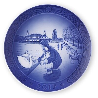 2017 Royal Copenhagen RC Christmas Plate  New in Box   Free Shipping