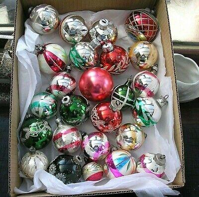 25   VINTAGE CHRISTMAS  GLASS BAUBLES  BETWEEN 7 - 4 cm