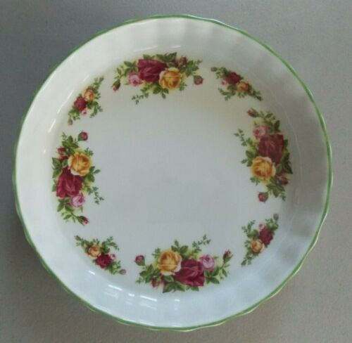 """Royal Albert Old Country Roses White 8"""" Quiche Dish (green trim)"""