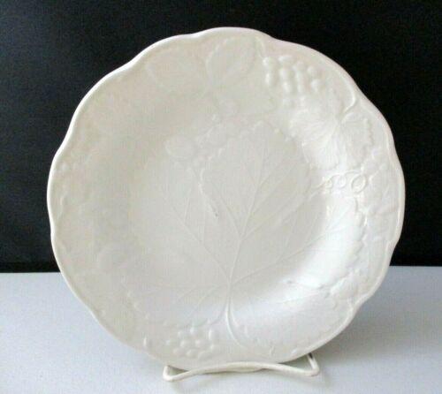 "BURGESS & LEIGH STRAWBERRY & GRAPE WHITE (DAVENPORT) SALAD PLATE -8 1/8""  1205J"