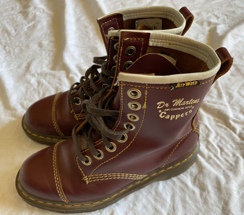 DR. MARTENS Oxblood Burgundy Cappers RARE Boots Size US Women