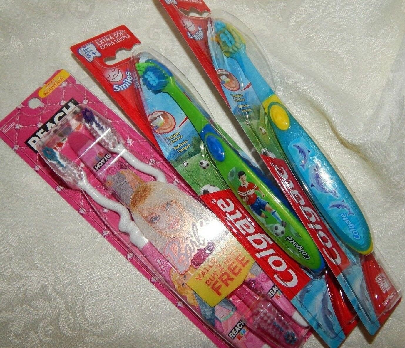 Toothbrushes Colgate Reach KIDS 5 Lot Barbie Dolphin Boys Gi