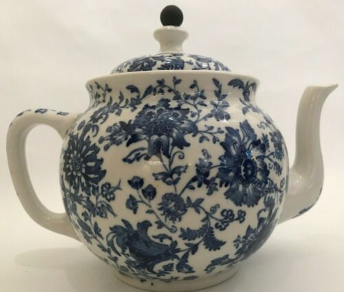 VTG 1914 Buffalo China Blue/White Floral Teapot w/attached Teaball Infuser