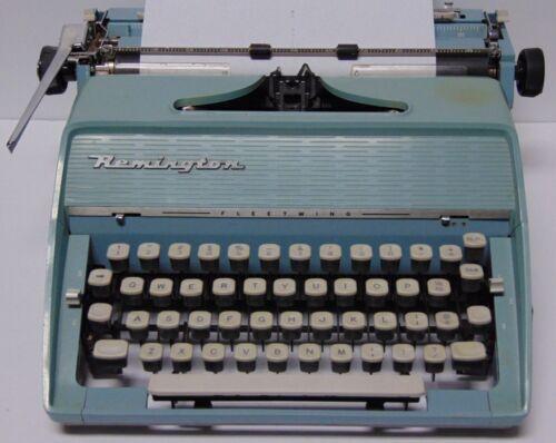 Vintage 1963 REMINGTON FLEETWING MODEL BLUE TYPEWRITER SERIAL NUMBER ERF140369H