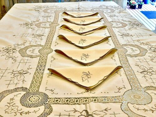 GORGEOUS HANDCRAFTED EMBROIDERY & CROCHET BANQUET SIZE COTTON TABLECLOTH NAPKIN