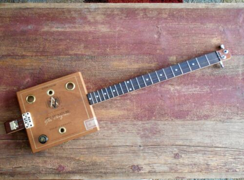 2 STRING ELECTRIC AVO CIGAR BOX GUITAR / DIDDLEY BOW