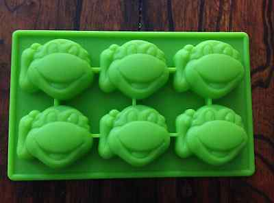 Teenage Mutant Ninja Turtles Cupcakes (TEENAGE MUTANT NINJA TURTLES SILICONE MOLD BIRTHDAY CANDY PAN CUPCAKE)
