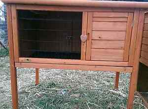 **SINGLE STORY RABBIT HUTCH PULL OUT TRAY 104cm NEW PACKAGE DEAL Londonderry Penrith Area Preview