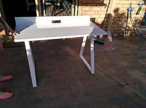 ***Elegant White Desk from Office Works*** Bassendean Bassendean Area Preview