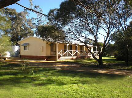 Barossa Ranges, in peaceful valley, 4 bed & study 3/4 acre