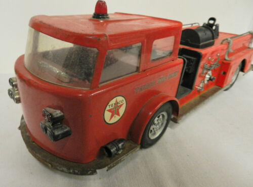 1960 BUDDY L TEXACO FIRE CHIEF STEEL TRUCK SEE SCANS VG