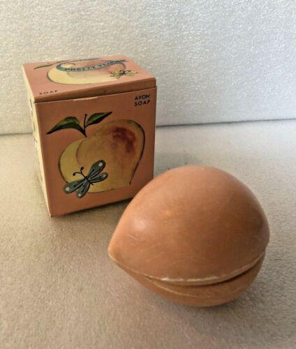 New Old Stock AVON Pretty Peach Soap Set In Original  Box