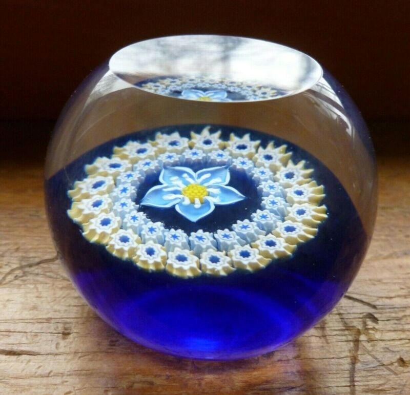 Vintage Caithness Art Glass Forget Me Not Paperweight Scotland #M40606 Blue