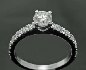 18 Carat White Gold Diamond Ring – Certified Centre Diamond. H6724