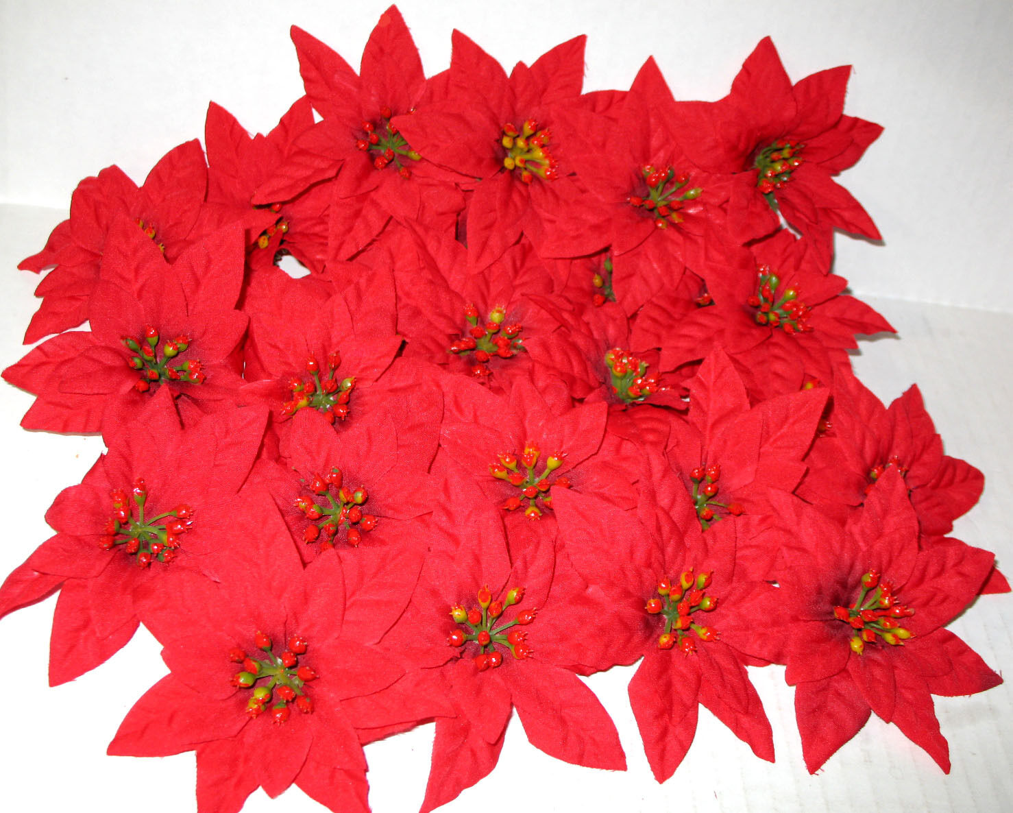 4 Poinsettia Silk Flower Heads Pkg Of 72 Nip For Wreaths Crafts