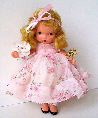 MINT JT, PT BISQUE WITH GOLD TAG AND BOX *21 HE LOVES ME* NANCY ANN STORYBOOK