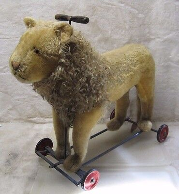 Vintage / Antique Steiff Rolling Ride On Lion A5822