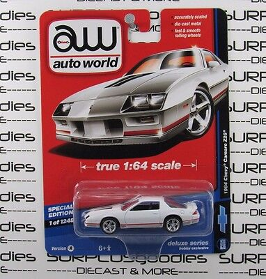 Auto World 1:64 2017 Deluxe Series Hobby Exclusive White 1984 CHEVY CAMARO Z28 A - World Z