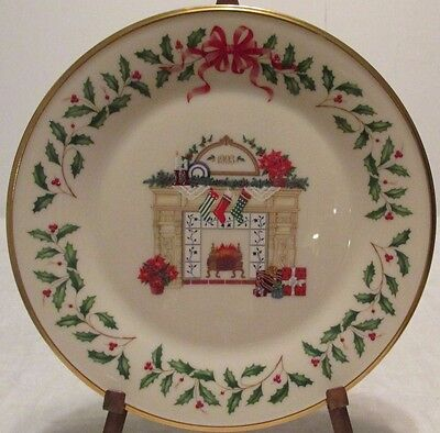Lenox Annual Holiday Collectors Plate 1993 Fireplace Excellent  240  3Rd In Ser