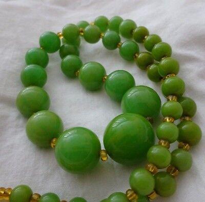 "RARE VTG Minty Green BAKELITE Graduated Ball Bead Strand Necklace 25"" TESTED"