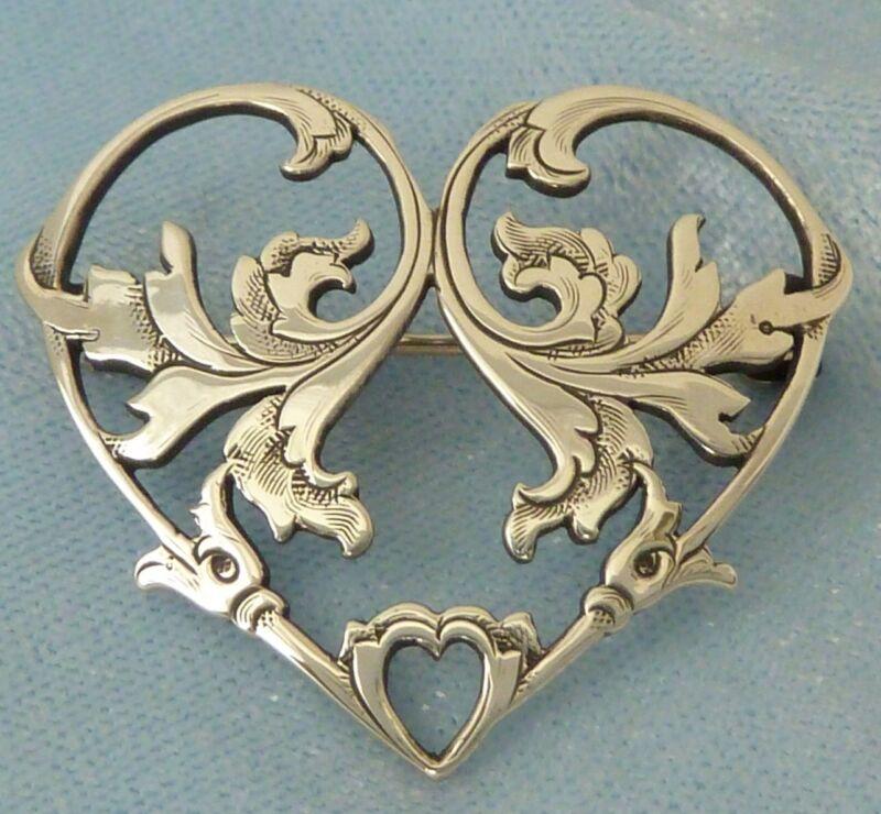 Vintage Victorian Style Engraved Heart Brooch, Konder #016
