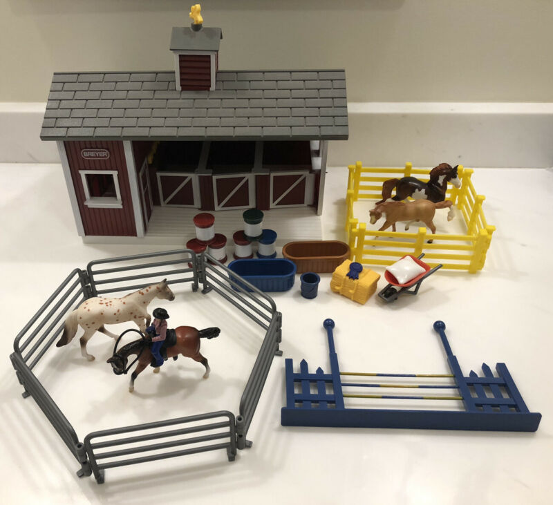 Breyer Stablemates Lot Red Stable Western Playset 100% Complete SEE DESCRIPTION