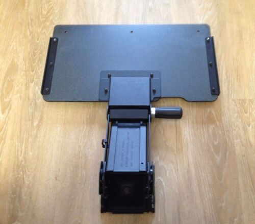 "1 Humanscale 4G KEYBOARD SYSTEM with 20"" Wide Tray, 22"" Arm Track + Screws"