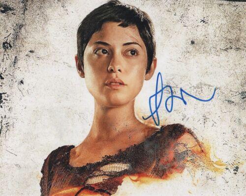 Rosa Salazar Maze Runner Autographed Signed 8x10 Photo COA #J3