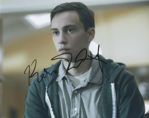 Keir Gilchrist Atypical Autographed Signed 8x10 Photo COA 2019-4