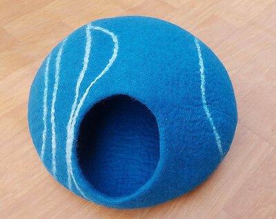 Large Felt Cat Cave / Pet Bed / Dog Bed / Puppy Bed / Cat House. 100 % Wool