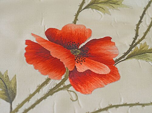 VINTAGE EMBROIDERED SILK FAILLE FLORAL PANEL POPPIES UU253
