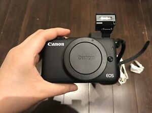 Canon EOS with EF-M 15-45mm Image Stabilization STM Lens Kit