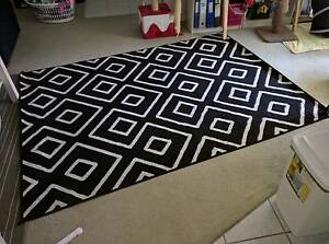 Black and white floor rug Westmead Parramatta Area Preview