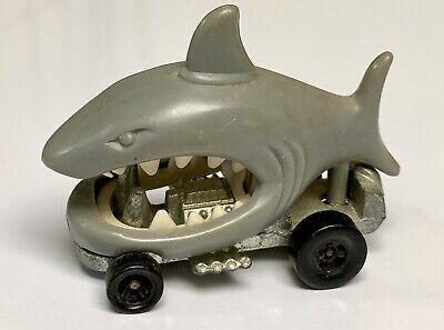 Hot Wheels Redline Zowees Goin' Fishin' Shark