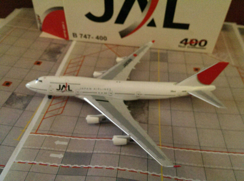 BigBird400 JAL Japan Airlines B 747-446 1:400 BB4-2004-28A 2003s Colors JA8088
