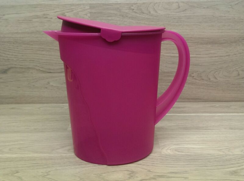 Tupperware 1 Gallon Impressions Water Pitcher Ice Fuchsia Pink 4433A-1   T4