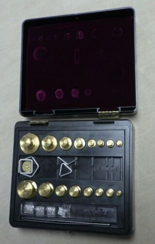 Vintage OHAUS Scale Weights Set With Case Apothecary Jewelers Medical Lab