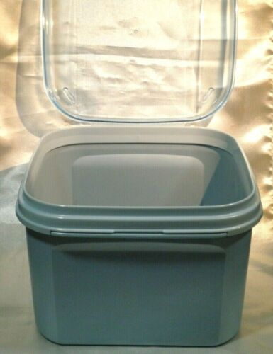 Tupperware Bread Bakers Delight 23 Cup With Flip Top Blue Modular Mates 1620-1