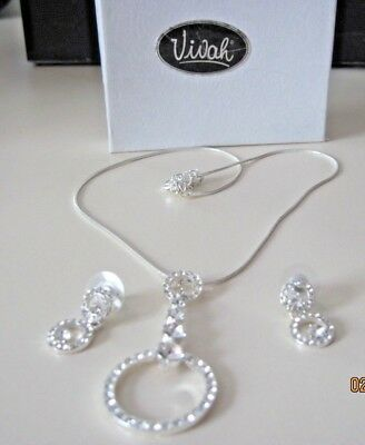 CUBIC ZIRCONIA & CRYSTAL  PENDANT NECKLACE AND EARRINGS SET