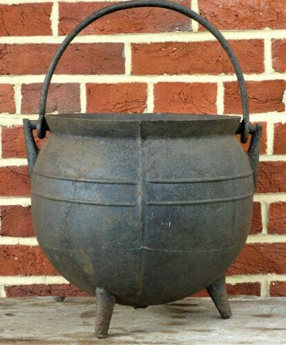 RARE Antique PA 18th Cent Cast Iron Hearth Cooking Pot - Sprue + Gate Mark - VGC