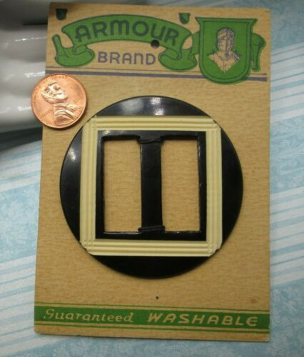 Two-tone Black & Cream Celluloid Buckle/Slide on Original Store Card   (0601-18)